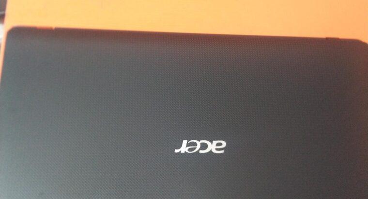 Laptop Acer Aspire 7250 4GB AMD Ryzen HDD 500GB